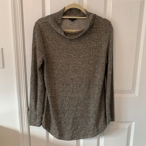 Chico's gold shimmer lightweight mock neck sweater